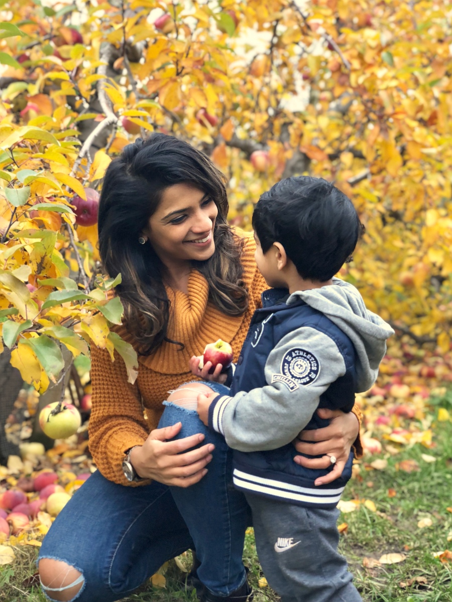 Our Memorable Fall Family Getaway: Apple picking & day trip to Martha's Vineyard